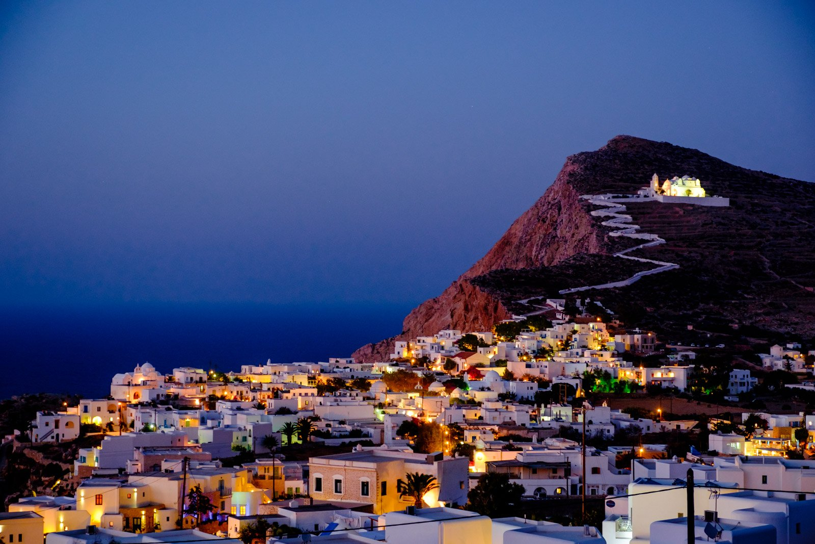 Exploring the Cyclades: Folegandros, the Romantic Island ...