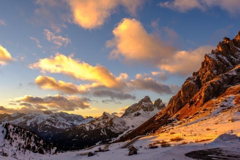 Pass Pordoi, Dolomites
