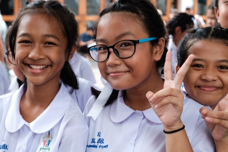Schoolgirls, Bangkok